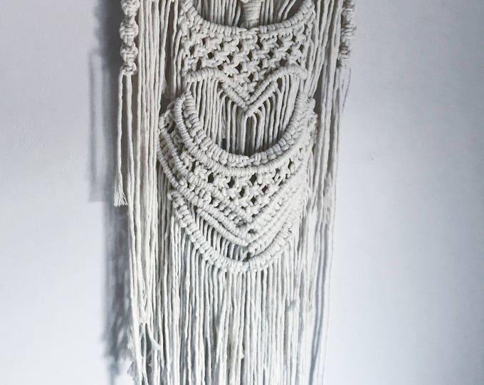 A U R A _ handmade macrame wallhanging, bohemian decor