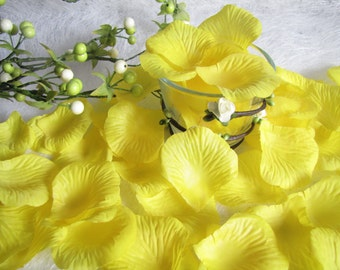 Wedding Petals, Flower Girl Petals, Basket Petals, Silk Rose Petals, Yellow Petals, Wedding Decor, Table Decr, Flower Girl