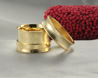 Set Of 14k Wedding Bands ,Solid 14K Gold  Band ,14k Hammered Wedding Ring - Handmade Ring - Man& Women's Gold ring - 14k solid gold ring