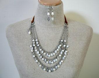 Baumelnden Blatt Süßwasser Perle Fett Bib Stil Lederband Antik Silber drei-Strang-Kette passende Ohrringe
