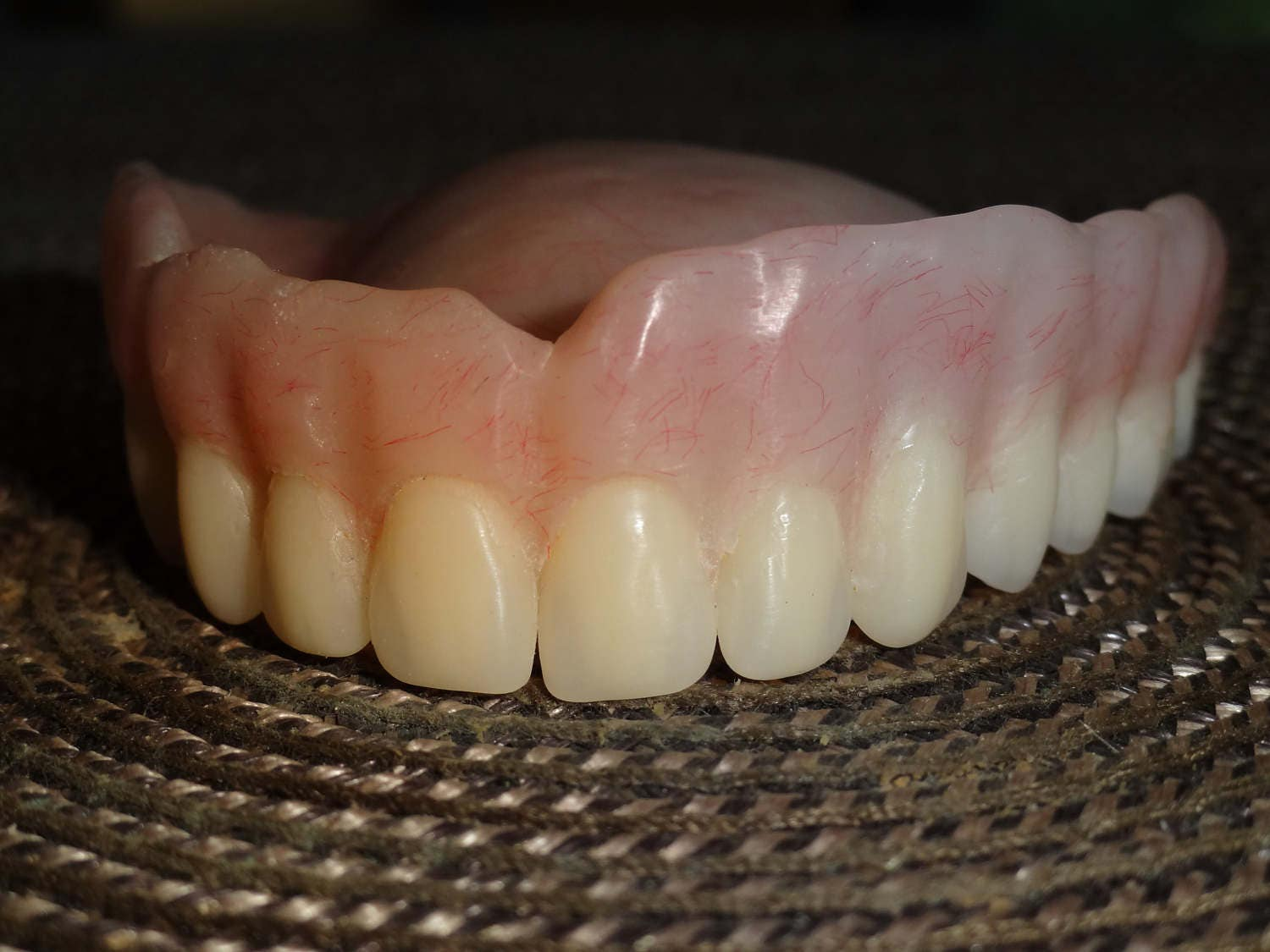 Description. FULL UPPER DENTURE.
