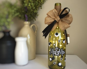 Mr & Mrs / Wine Bottle Light / Battery Operated / Wine Bottle Decor / Wedding Gift / Couples Gift / Anniversary Gift / Wine Basket Filler