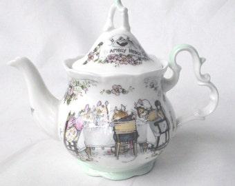 Royal Doulton tea pot Brambly Hedge MINIATURE tea service teapot 1985