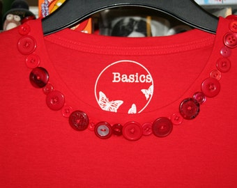 button detail tshirt