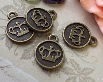 12 mm Antiqued Bronze (Two-Sided) Crown Charm Pendants (.tn)