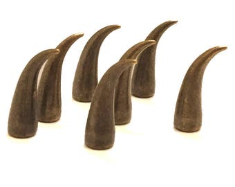 Antique Brass Claw Spikes 21mm / Cat Claw Spikes / Studs and Spikes / Claw Spikes / Spikes / 21mm Spikes / Screw in Spikes / SET OF SEVEN