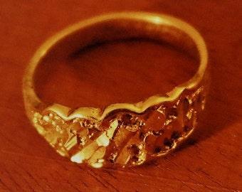 Vintage New Gold Tone Ring Sz 9.75