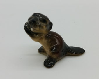 Vintage Hagen Renaker Paws Up Black Brown Beaver Miniature Figurine Animal Home Decor Figure