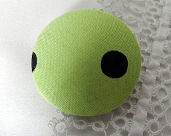 Fabric button green with polka dots, 40 mm / 1.57 in