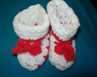 Crocheted baby booties/red and white