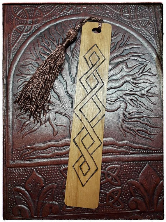 Celtic Lattice Wooden Bookmark