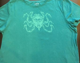 Medusa Scoop Neck Tee