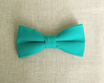 Turquoise Green Bow Tie, Mens Bow Tie, Solid Turquoise Bow Tie, Bow Tie for Men, Bow Tie for Wedding, Plain Bowtie, Groomsmen & Groom Bowtie