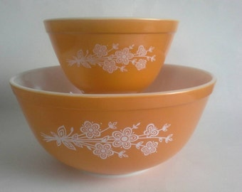 Pyrex Butterfly Gold Round Mixing Bowl Set