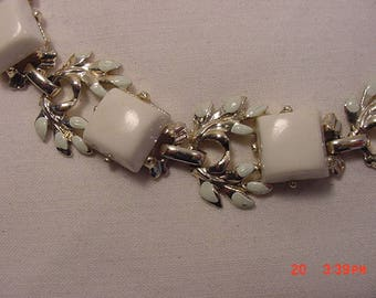 Vintage White Thermoset Bracelet  18 - 153