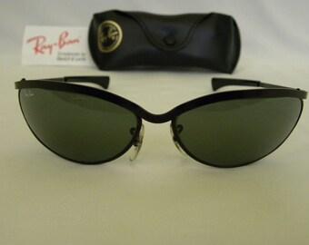 New Vintage B&L Ray Ban Olympian V Deluxe Black Oval W1981 Predator Sunglasses USA