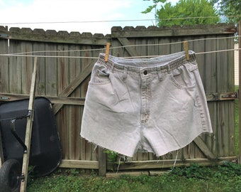 Lee Denim Shorts Size 14, Vintage Denim Shorts Size 14, Vintage Cut Off Shorts, High Waisted Shorts, High Waisted Denim Shorts, 90s Denim