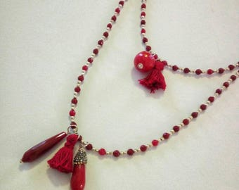 Red agate necklace with tassels in pendants