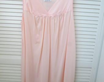 Vintage pale pink Vanity Fair size XL mid length satin trim sleeveless nightgown. Vintage Vanity Fair pink nightgown XL.