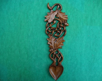 Love Spoon with oak leaves and celtic knotwork