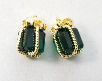 14x9mm, Emerald Green Present Gift Shaped Pendant Charm Dangle, Gold Rim - PC-0224