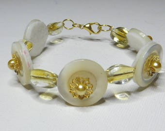 Pearl White and yellow beads - #275 buttons bracelet