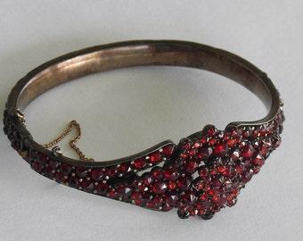 Victorian Bohemian Garnet Custer Bracelet Stunning