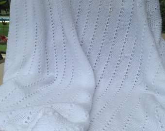 Light weight knit baby blanket