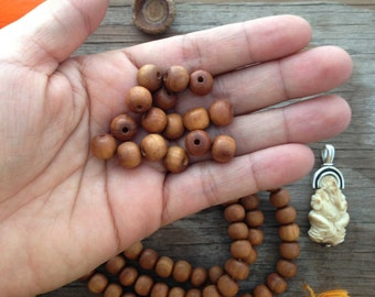8mm Natural Aromatic Sandalwood Beads from India, 50 loose beads / Yoga, Malas, Prayer Beads / Wood, Wooden Beads, Jewelry Supplies