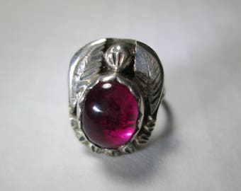 ring, size 3 1/2... Ruby in sterling silver