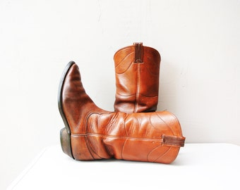 vintage boots / Nocona 1950s boots / naturally distressed sunset color caramel leather cowboy boots size 9 1/2