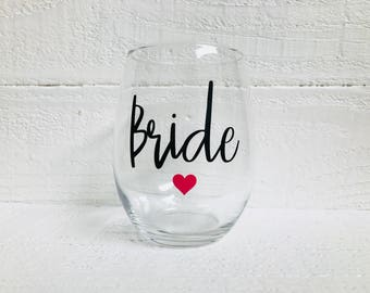 Bride wine glass / wedding / bridal party / bride to be / personalize / stemless wine glass / bridal party / bride gift / engagement gift
