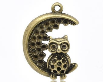 1 Moon and OWL charm bronze 28 X 21mm