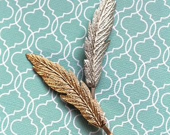LAST CHANCE Gold Feather Bobby Pin Hair Clip (1 hair clip) Woodland feather shape Elven Hair,Vintage tone hair jewelry for wedding updos