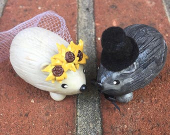 Mini Marble friends Hedgehog Wedding Couple Cake Topper Bride with Sunflower veil Groom with Top Hat shown in icy pearl and back and silver