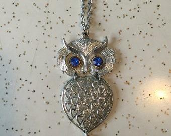 Owlsley Companion - 1960's Faux Silver Large Owl Pendant Necklace