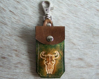 Keychain leather deco green and brown leather bag, decorated with a Buffalo head