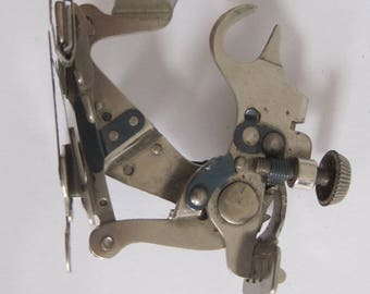 Vintage SINGER 1261 Sewing Machine Part Foot Attachment Made in USA S3AnE
