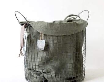 College laundry bag made of stone washed linen in army green color