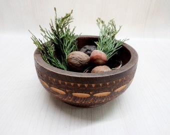 Vintage Wooden Bowl, Decorative wooden bowl, Wooden Bowl from '70, Vintage hand carved wooden bowl, Cottage chic, Rustic Home Decor