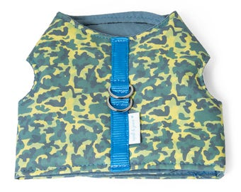 "Dog Vest Harness or Cat Vest Harness ""Camouflage"" Harness and Leash Set"