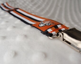 UT Longhorn Striped Pacifier/Toy Clip
