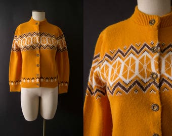 vintage 1960s sweater / 60s yellow intarsia cardigan / small
