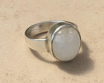 Moonstone silver ring, White moonstone Ring, Ring Size 8, Sterling silver ring, Oval moonstone ring, White oval ring, silver moonstone,