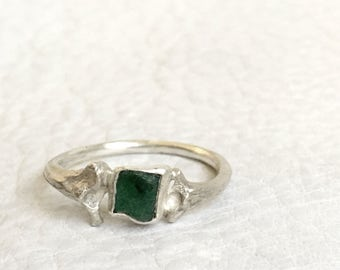 Emerald Snake Bones Ring in Sterling Silver Raw Emerald Crystal Solitaire Nature cast from Snake Ribs Handmade Taxidermy Jewelry Size 4.75