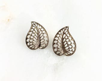 Vintage Gold Leaf Filigree Studs