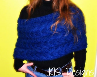 Plush Cabled Capelet Knitting Pattern