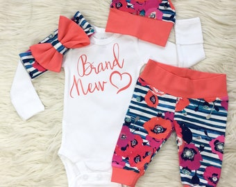Newborn girl coming home outfit, baby girl coming home outfit, newborn flower outfit, baby girl take home outfit, brand new, flowers stripes
