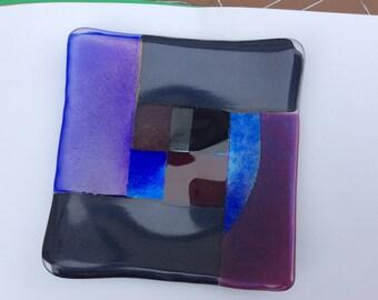 Fused dichronic glass shallow dish