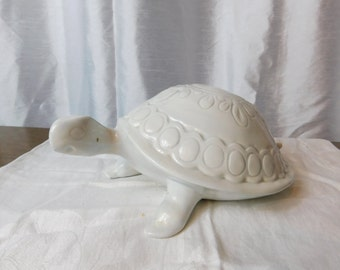 Vintage Large White Ceramic Turtle Dated 1971       box Y